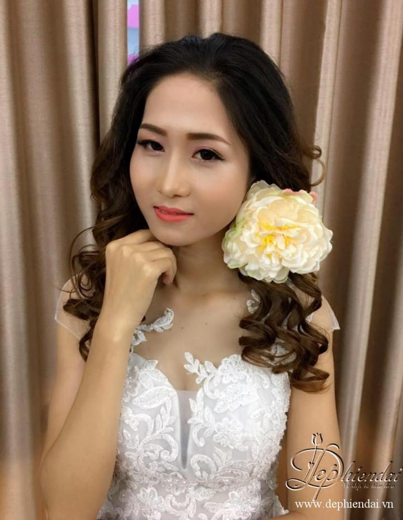 Bài thực hành trang điểm cô dâu - Bài thực hành trang điểm Tuần3-T10-2017