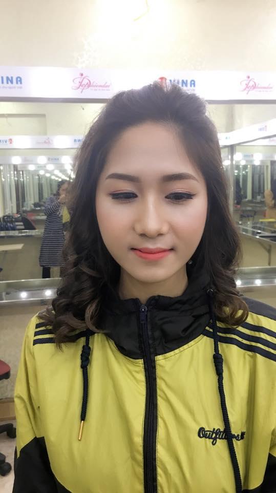 Bài thực hành Trang điểm và bới tóc cô dâu - Tuần 2 - Tháng 1