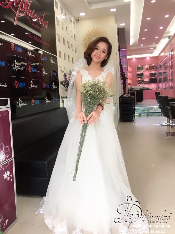 Bài thực hành Trang điểm và bới tóc cô dâu - Tuần 2 - Tháng 6 - Năm 2018