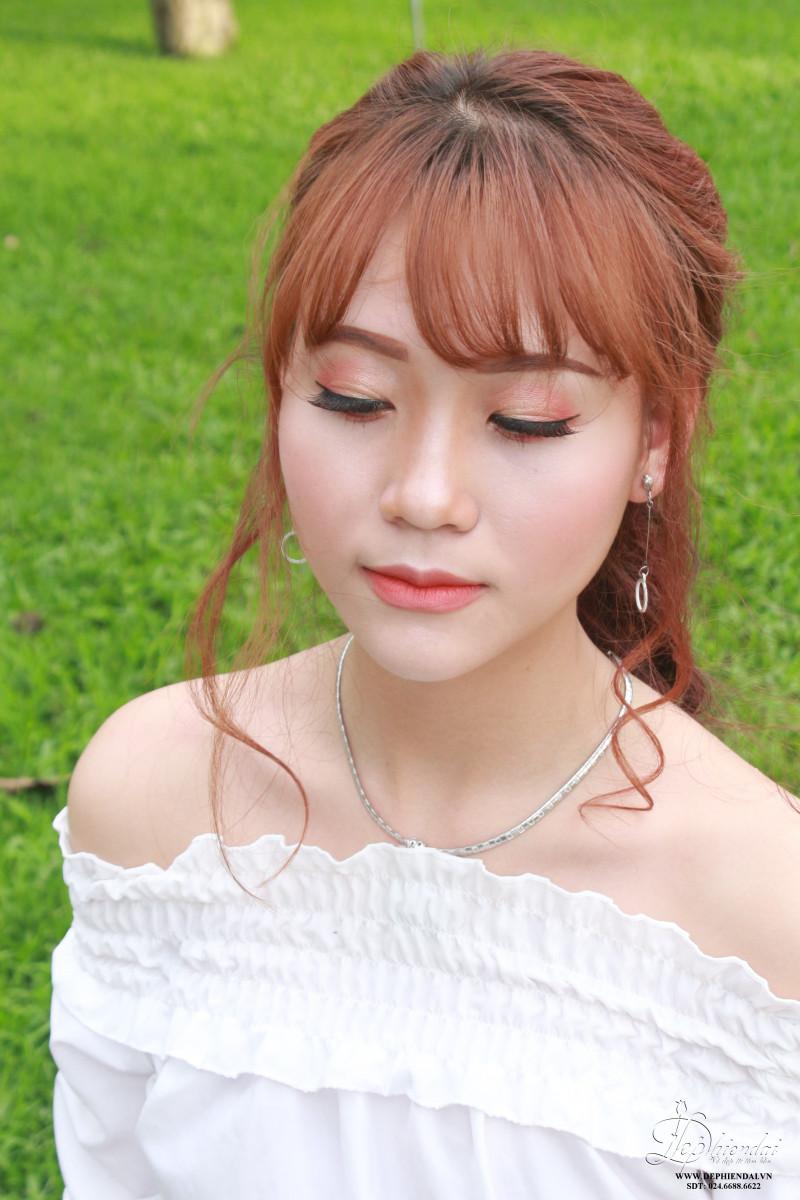 Bài thực hành Trang điểm và bới tóc ngoài trời - Tuần 2 - Tháng 5 -  Năm 2018
