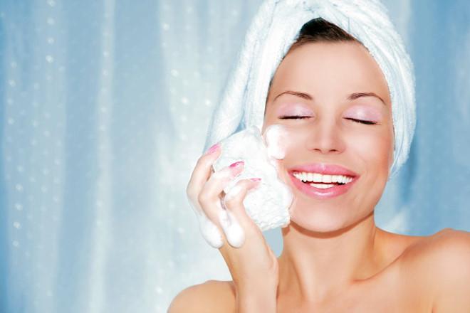 Cách chăm sóc da nhờn hiệu quả vào mùa nắng