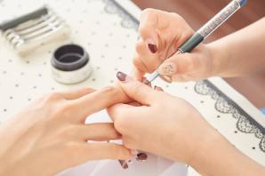 Dạy làm móng - học làm nail - trang trí móng với tone màu của GUCCI