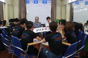 Học về màu nhuộm với thầy giáo Nhật Bản KAWAGUCHI