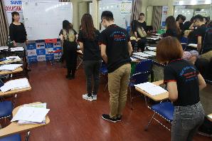 Kỹ năng chăm sóc khách hàng với giáo viên Nhật Bản