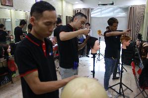Lớp dạy cắt tóc tại Trung tâm đào tạo nghề uy tín Hà Nội