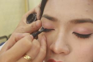 Make up trang điểm chuyên nghiệp: kinh nghiệm kẻ eyeliner đep