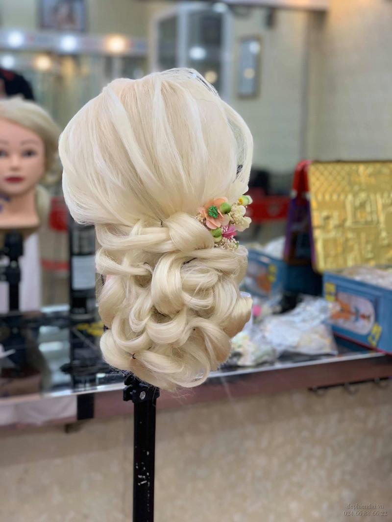 Tác phẩm bới tóc học viên lên mẫu tuần 2 tháng 11 năm 2020