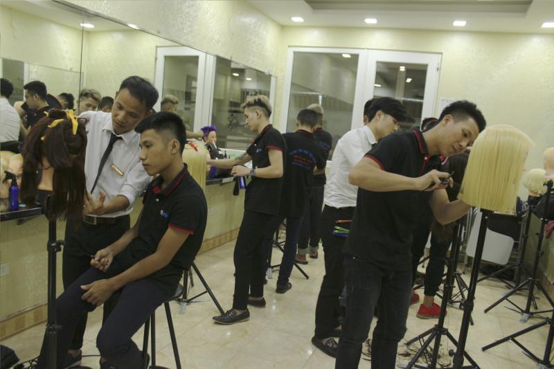 tại sao nên học nghề làm tóc
