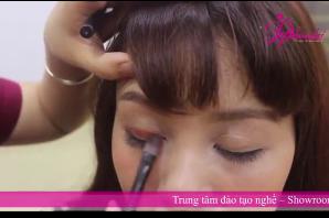 Video Kỹ Thuật Đánh Màu Mắt Trong Trang Điểm Chuyên Nghiệp