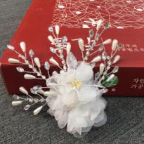 Hoa Cài Tóc Handmade M39